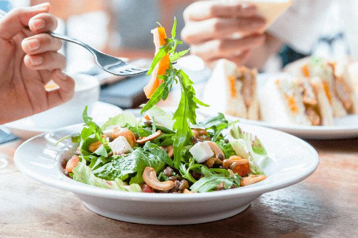 im-restaurant-abnehmen-gesund-essen